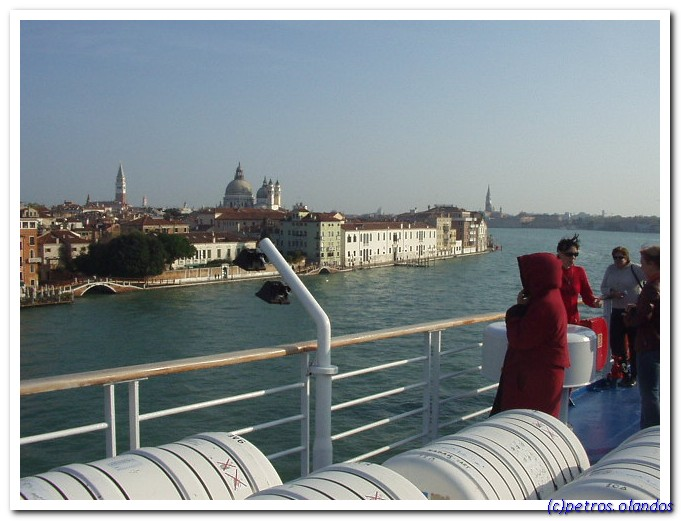 2005 1102 arrivals in Venice by boat